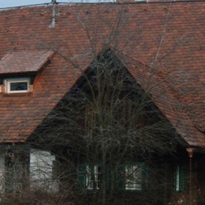 Einfamilienhaus mit Doppeldeckung.